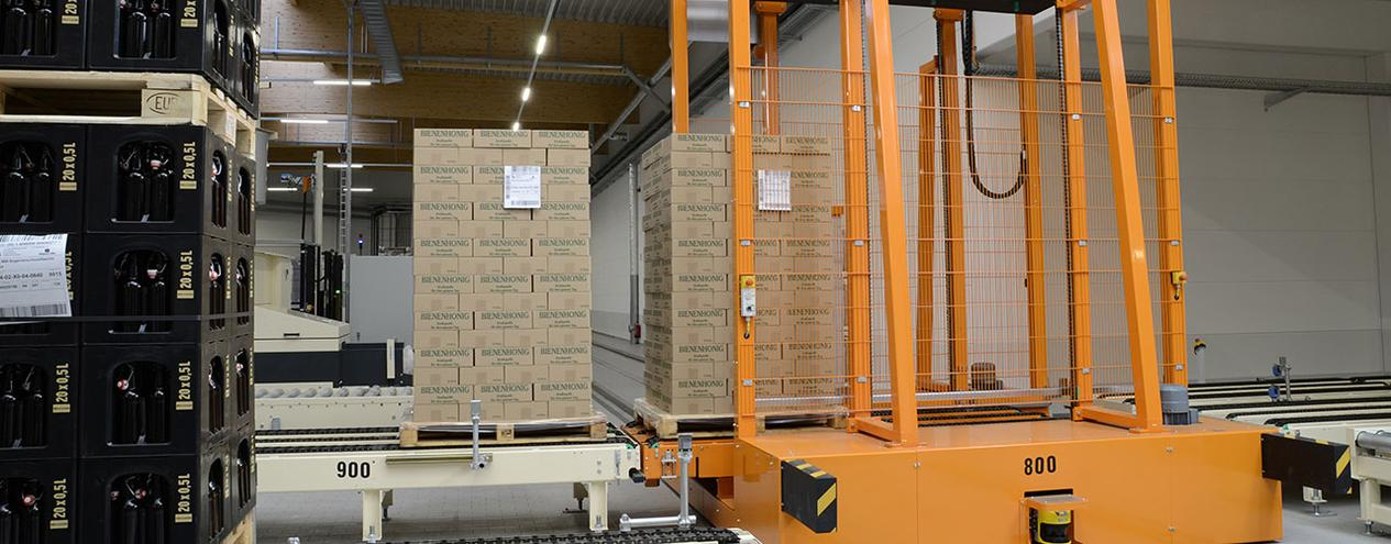 Pallet conveyors and pallet handling from production to pallet storage