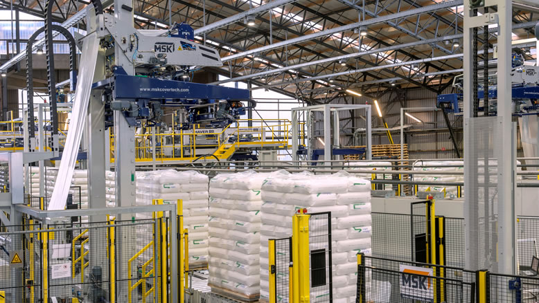 MSK stretch hooders are highly efficient packaging systems for securing loads on pallets.